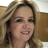 Karla Emerenciano's avatar